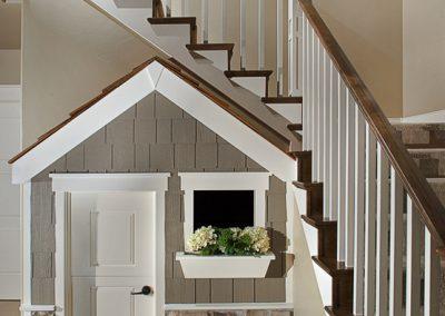 299-320-stairs-playhouse