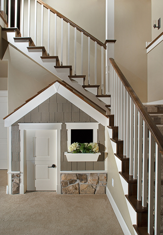 299-320-stairs-playhouse